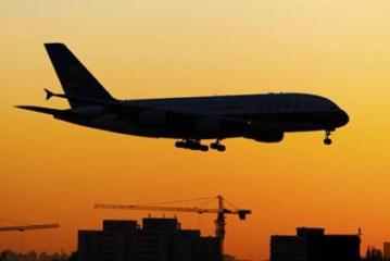 СМИ: австралийский лайнер вернулся в аэропорт из-за перегрева двигателя