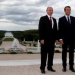 Рандеву вВерсале: чтоПутин обсудил напервой встрече сМакроном