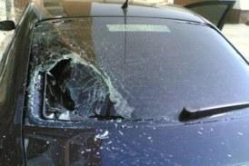 Разбил стекла восьми машин, чтобы сбежать из Омска