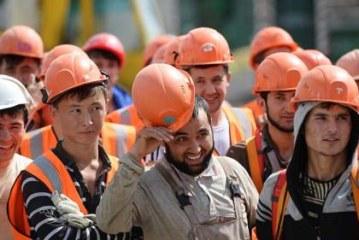 Мигранты обвинили столичные компании в невыплате 2 млрд рублей