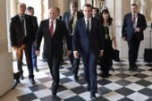 Макрон рассказал, как нужно действовать для развития отношений Франции и РФ