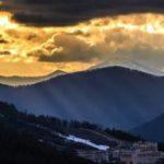 В Сочи в горах во время поиска туристов пропал спасатель