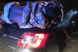 Сон с ветерком: водитель не заметил спящего на багажнике пьяницу
