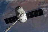 Космический корабль Dragon отправится с грузом на МКС
