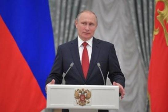 Путин поздравил медиков с профессиональным праздником