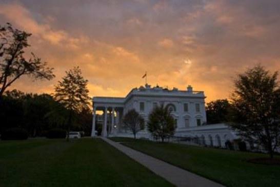 У Белого дома проходят протесты против выхода США из Парижского соглашения