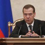 Путин: Медведев самостоятельно исполнял обязанности на президентском посту