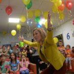 Актеры «Камеди клаб» поздравили детей в Эндокринологическом центре