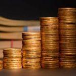 Официальный курс евро на пятницу вырос до 64,15 рубля