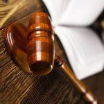 Суд отложил вопрос о домашнем аресте школьника, распылившего газ в Москве
