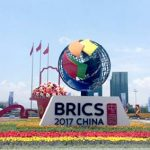 Китай призвал БРИКС стать стабилизирующим фактором