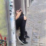 Психологи: смартфоны погружают подростков в депрессию