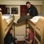 Привет, норвег: с кем Шипулин разделил свое спальное ложе