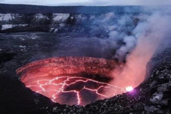Британский фотограф запечатлел «ухмылку» вулкана в Эфиопии