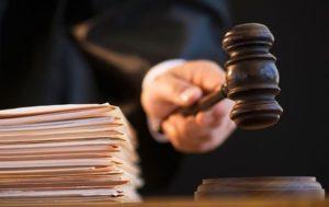 Адвокат Максим Бушин съел материалу судебного дела