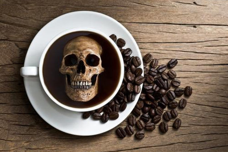 Американские ученые разработали алгоритм, рассчитывающий идеальную дневную дозу употребления кофе для человека
